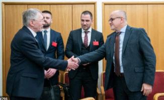 Seimo nariai: G. Kirkilas, I. Degutienė, pretenduoja gauti išmokas, siekiančias net 23 tūkst eurų.