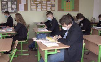 Siūloma mokyklą trumpinti iki 11 klasių – moksleiviai ir ekspertai griebiasi už galvų