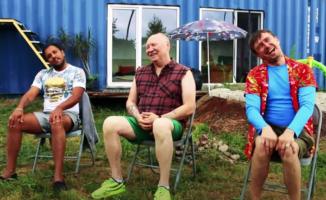 """Internete žaibiškai plinta Radžio, Faros ir Mariaus Jampolskio vasaros hitasi """"Nesibaigianti diena"""" [VIDEO]"""